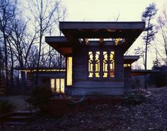 The Pope-Leighy house was commissioned in 1939, by Loren Pope who was a copy editor for a Washington, DC newspaper, and earned fifty dollars a week. Pope wrote Frank Lloyd Wright a convincing letter persuading Wright to take on the project.