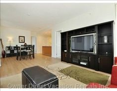 Spacious corner suite on perfect location in Central Coquitlam; walking distance to shopping, theatre and restaurants. Vancouver Vacation, 2010 Winter Olympics, Natural Scenery, Vacation Rentals, Renting A House, Distance, Theatre, Restaurants, Corner