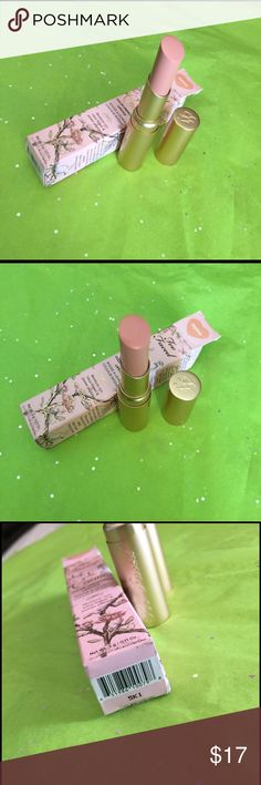 toofaced Topless brand new Lipstick Brand New lipstick toofaced topless color 100% authentic price firm No trades please Sephora Makeup Lipstick