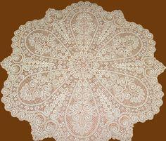 Кружевная скатерть круглая д. 160 см.