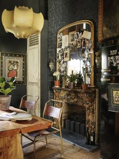 European Style Meets Bohemian Chic in a London Apartment - Bohemian, Boho Chic And Hippie Fashion Bohemian Living, Bohemian Decor, Bohemian Chic Home, Bohemian Clothing, Deco Cool, London Apartment, European Apartment, Deco Boheme, Interior And Exterior