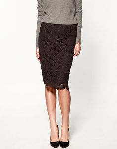 I love lace skirts!