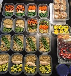 What an awesome FIRST TIME meal prep by @ryann103 that covers all the bases! Keep it up!!  - Download @mealplanmagic if you want a custom meal plan for your body that aligns with your goals: lose weight, shed fat, build muscle, bulk, or maintain!
