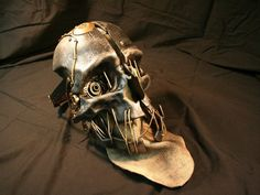 Exquisite replica of Corvo's mask from Dishonored. Corvo Mask, Cool Costumes, Cosplay Costumes, Steampunk Mask, Movie Props, Looks Cool, Bucket Bag, Hiking Boots