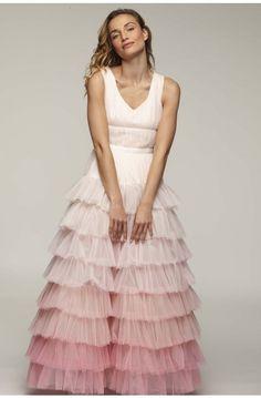 b100654b82 Special long sleeveless V-neck dress with ruffles