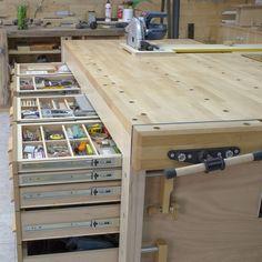 Build a Garage Workbench With Storage! Build a workbench for your garage worksh.Build a Garage Workbench With Storage! Build a workbench for your garage worksh. - Build a Garage Workbench With Storage! Woodworking Bench Plans, Woodworking Workshop, Woodworking Furniture, Woodworking Shop, Woodworking Projects, Wood Projects, Woodworking Techniques, Youtube Woodworking, Woodworking Equipment