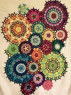 My La Passacaglia quilt from Millefiori Quilts ~ wow, fussy cutting taken it a new level! Millefiori Quilt Pattern, Millefiori Quilts, Crazy Quilting, Crazy Patchwork, English Paper Piecing, Quilting Projects, Quilting Designs, Embroidery Designs, Kaleidoscope Quilt