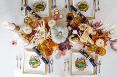 ▷ 1001 + Inspiring Thanksgiving Table Decorations For Your Festive Dinner Fall Crafts, Holiday Crafts, Holiday Fun, Thanksgiving Centerpieces, Thanksgiving Table, Celebrate Good Times, White Pumpkins, Centerpiece Decorations, Autumn Inspiration