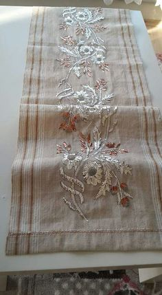 This Pin was discovered by Gök Cutwork Embroidery, Hand Work Embroidery, Embroidery Fashion, Cross Stitch Embroidery, Embroidery Patterns, Embroidery Dress, Embroidered Towels, Gold Work, Needlework