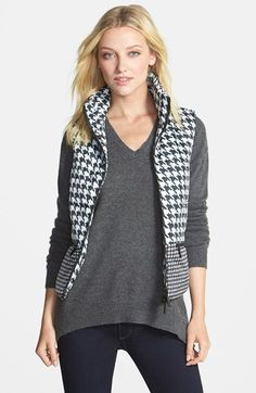 Freakishly obsessed with this houndstooth puffer vest! It's an amazing layering piece for fall!