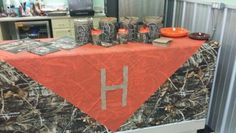 15 super ideas baby shower ideas for boys camo camouflage birthday parties Baby Shower Camo, Baby Shower Favors, Baby Shower Parties, Baby Shower Themes, Baby Boy Shower, Baby Shower Gifts, Shower Ideas, Camouflage Birthday Party, Hunting Birthday