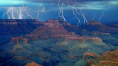 The Grand Lightning Show at the Grand Canyon, Arizona Image Credit : Dan Ransom Grand Canyon Wallpaper, Storm Wallpaper, La Ilaha Illallah, Wild Weather, Tornados, Thunderstorms, Mundo Animal, Science And Nature, Amazing Nature