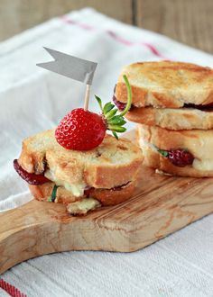 Balsamic Strawberry and Brie Grilled Cheese Sliders