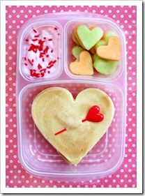 Lunches and snacks for V-day for the kids!  CUTE!!