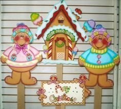 Gingerbread People w/ Gingerbread House