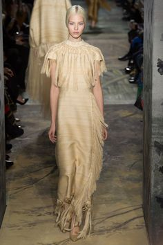 The Southwest influence transcends the Chanel RTW and the Shopbop wilds to gracefully sweep across theValentino Couture runway like a hillock in an ancient plain. Luscious and lovely.