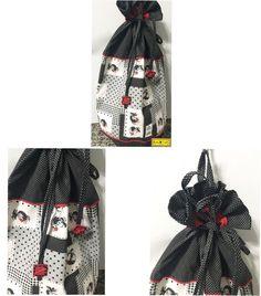 Galinhas  Puxa-Saco, tamanho: 50x56cm, todo feito de composê de tecidos de algodão de galinhas e preto de poá branco. Detalhes de cordão vermelho e botões quadrados vermelhos no puxador.  Mais em: arteestiloartesanato.wix.com/site