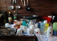 Men Can Worship God by Washing Dishes Carbonate De Calcium, Long Holiday, Worship God, Household Chores, Washing Dishes, The Dish, Hand Washing, Homemaking, Dishwasher