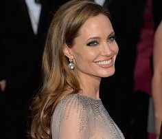 Take a look at the best Angelina Jolie hairstyles in the photos below and get ideas for your cute outfits! She looks like an Angel who just gracefully slid down to earth. If you have healthy beautiful hair try this… Continue Reading → Best Long Haircuts, Haircuts For Long Hair, Long Hair Cuts, Cool Hairstyles, Long Hair Styles, Hairstyle Ideas, 2014 Hairstyles, Gorgeous Hairstyles, Layered Haircuts
