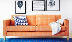 Love the orange with electric blue rug;))