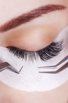 Find out if eyelash extensions damage your natural lashes, how to shower and wash your face with extensions, how to keep your extensions clean, and how to make your eyelash extensions last LONGER! Click the link to watch our video series! Magnetic Eyelashes, Fake Eyelashes, False Lashes, Eyelash Logo, Lashes Logo, Eyelash Sets, Makeup Brush Cleaner, How To Clean Makeup Brushes, Natural Lashes