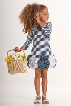 49 Ideas For Moda Infantil Meninas Inverno Fashion Kids, Little Girl Fashion, Sewing Patterns For Kids, Sewing For Kids, Dresses For Tweens, Girls Dresses, Baby Dresses, New Dress Pattern, Navy And White Dress