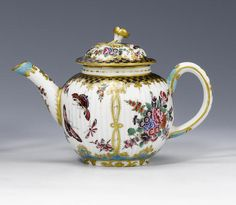 A Worcester teapot and cover the porcelain circa 1770