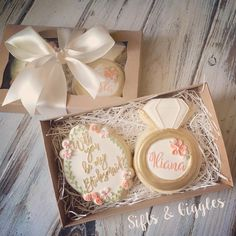 Will you be my bridesmaid cookies Will You Be My Bridesmaid Gifts, Asking Bridesmaids, Bridesmaids And Groomsmen, Wedding Bridesmaids, How To Ask Your Bridesmaids, Gifts For Wedding Party, Wedding Favors, Our Wedding, Bridesmaid Cookies