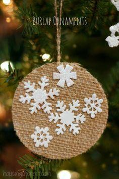 Easy DIY Preschool Christmas Ornament ~ Love the burlap texture!