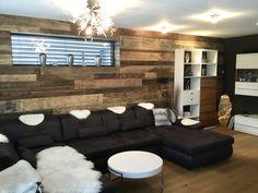 ORIGINAL 1. PATINA LÄNGE: 1650 mm BREITE: 120 – 220 mm STÄRKE: 20 mm SYSTEM: Nut und Feder mit Fase AUFBAU: 3-Schicht Diele #hafroedleholzböden #parkett #böden #gutsboden #landhausdiele #bödenindividuellwiesie #vinyl #teakwall #treppen #holz #nachhaltigkeit #inspiration Vinyl, Couch, Inspiration, Furniture, Home Decor, The Originals, Life Hacks, Wood Floor, Wall Cladding