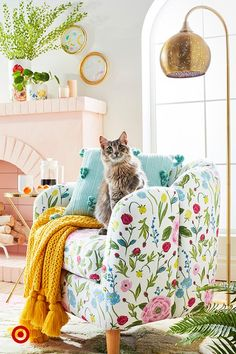 Opalhouse : Target - Layer on new pieces in fresh florals & vibrant hues for an easy spring refresh. Living Room Decor, Bedroom Decor, Retro Living Rooms, Wall Decor, House Colors, Home And Living, Room Inspiration, Family Room, Upholstery