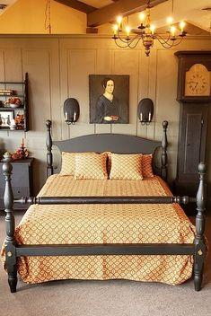 Primitive Country Bedrooms, Primitive Living Room, Farmhouse Bedrooms, Primitive Decor, Rustic Bedroom Design, Bedroom Decor, Colonial Furniture, Vintage Home Decor, Home And Living