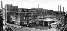 Zentrallager und Verwaltung III der Gutehoffnungshütte  Standort:Oberhausen Adresse:Essener Straße 80, Oberhausen Architekt:Behrens, Peter Baujahr:1921-1925
