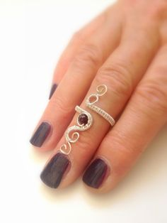 Midi Sterling silver knuckle ring by Wiredesignjewelry