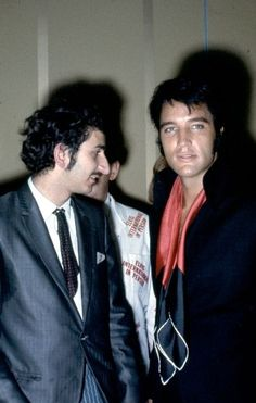 Elvis at the reception after the press conference .