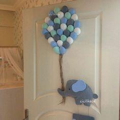 Ideas Baby Shower Elephant Decorations Boy Kids Rooms For 2019 Pom Pom Crafts, Felt Crafts, Diy And Crafts, Baby Boy Room Decor, Baby Boy Rooms, Kids Rooms, Furoshiki, Baby Car Mirror, Baby Door Hangers