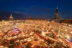 Christmas Market (Striezelmarkt) in Dresden Germany [2362  1575]
