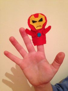 Ironman finger puppet.Perfect for boys crafts. Marioneta dedo Ironman