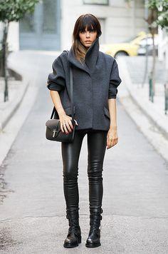 black & grey. Evangelie in Paris. #StyleHeroine