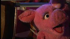 Sesamstraat lied: kusje d'r op Learn Dutch, Teddy Bear, Learning, Animals, Animales, Animaux, Studying, Teddy Bears, Animal