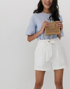 Shop the latest ASOS DESIGN broderie short with belt trends with ASOS! Free delivery and returns (Ts&Cs apply), order today! Older Women Fashion, Womens Fashion, White Belt, White Shorts, Fashion Online, Fitness Models, Short Dresses, Asos, Summer Outfits