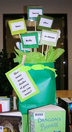 Green Scene bag centrepiece - front (St. Patrick's Day)
