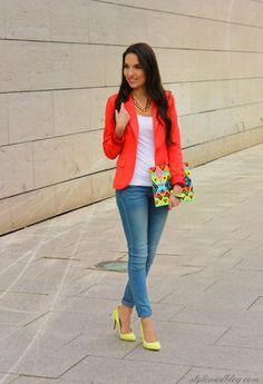 Veston rouge et jeans