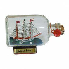 Maritmes Flaschenschiff der berühmten Gorch Fock als schöne Geschenkidee und für Sammler.   KEINE VERSANDKOSTEN INNERHALB DEUTSCHLANDS!!