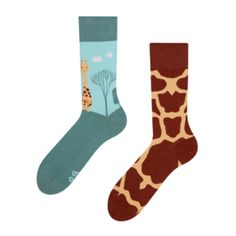 Heaven for your feet, colorful design for all eyes. The ultimate gift for all your family and friends. The Ultimate Gift, All About Eyes, Good Mood, Gift For Lover, Giraffe, Socks, Fun, Gifts, Heaven