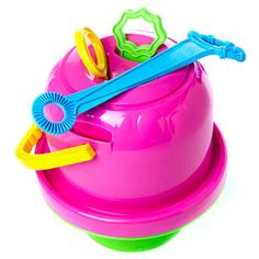 Best Beach and Sand Toys for Kids This Summer: No-Spill Big Bubble Bucket (via Parents.com)