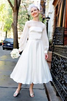 http://www.gowns4u.com/images/us_New_1950s_Long_Sleeved_Satin_Chiffon_Wedding_Dress_.image
