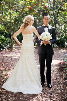 Gone are the days of The Great Gatsby but the elegance and glamour of the roaring twenties is living on in this Pasadena affair captured byPicotte Weddings. Its tuxes and floor length gowns, twinkling chandeliers and shimmering candlelight all coming together for one classic weddingcrafted by the crazy talentedEvents by Heather Ham. And this couple,…