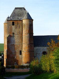 Aisne - Thiérache - Prisces - église fortifiée
