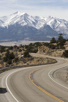 A scenic bend in the road leading past Buena Vista | Colorado.com